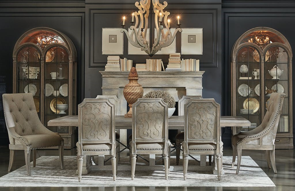 Traditional Dining Furniture